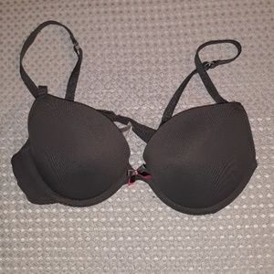 xhilaration Sz. 34B, gray, padded, under-wire bra.